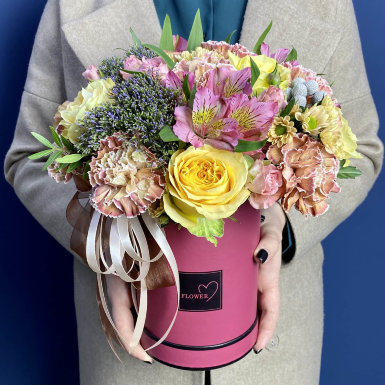 цветы в коробке r19