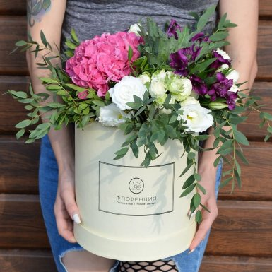 Цветы в коробке R11